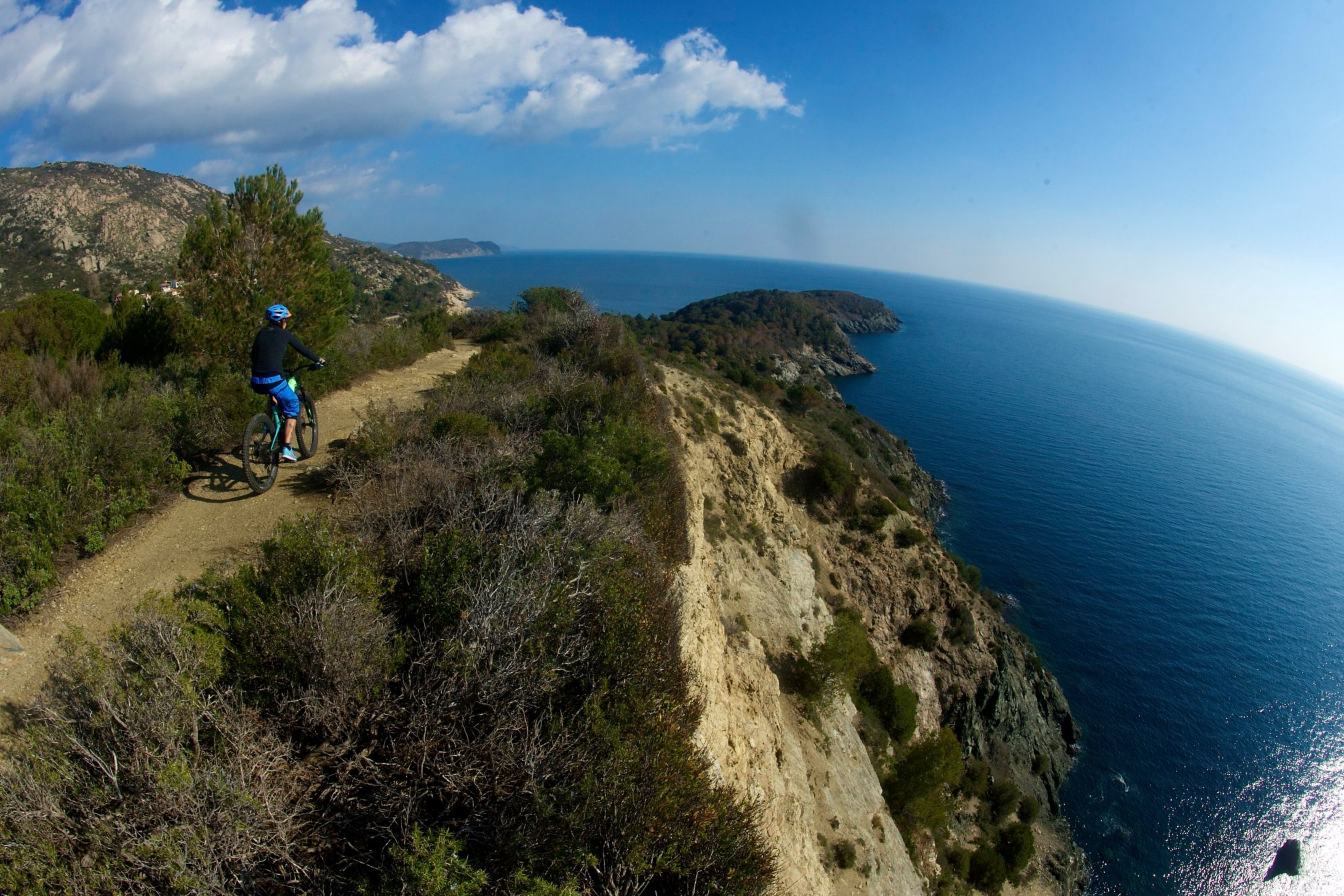 Vacanze dove? All'Elba in mtb!